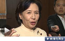 田中文科相は国会で記者団に対し、3大学新設を一転して認可する考えを表明した(7日)