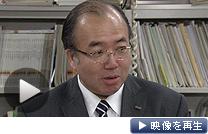 システムトラブルについて記者会見するみずほ銀行の柏崎常務執行役員(20日午後、日銀本店)