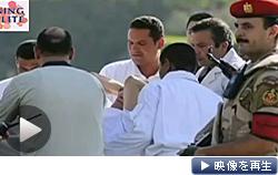 エジプトのムバラク元大統領が保釈され、ヘリコプターで病院に移送された(テレビ東京)
